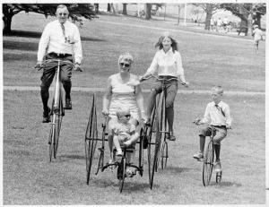 Family on antique bicycles, Bushnell Park (Photo by Susan Klemens, Hartford Times Collection)